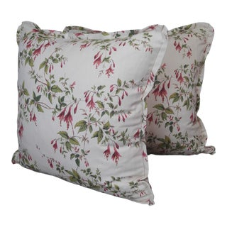 Colefax & Fowler Throw Pillows Cotton Fuchsia Print - a Pair For Sale