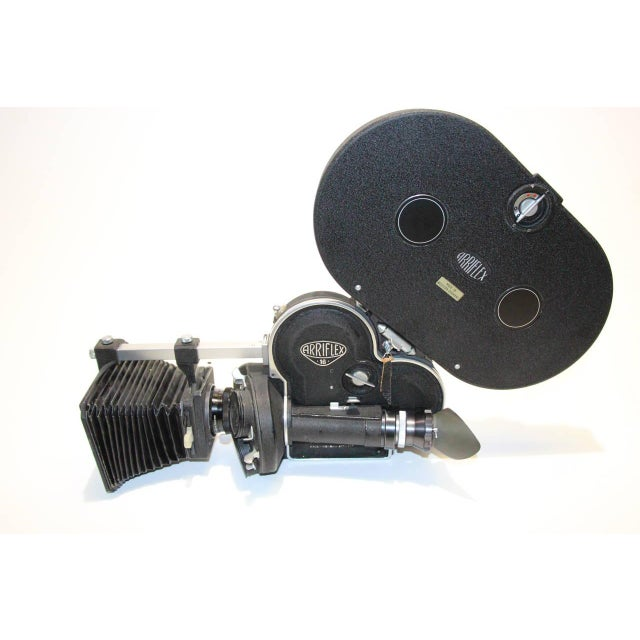 Industrial Arriflex Model 16ST Cinema Camera Complete & Working Circa 1950 As Sculpture For Sale - Image 3 of 10