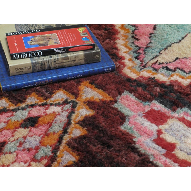 Textile Moroccan Boujad Rug - 5′9″ × 11′8″ For Sale - Image 7 of 12