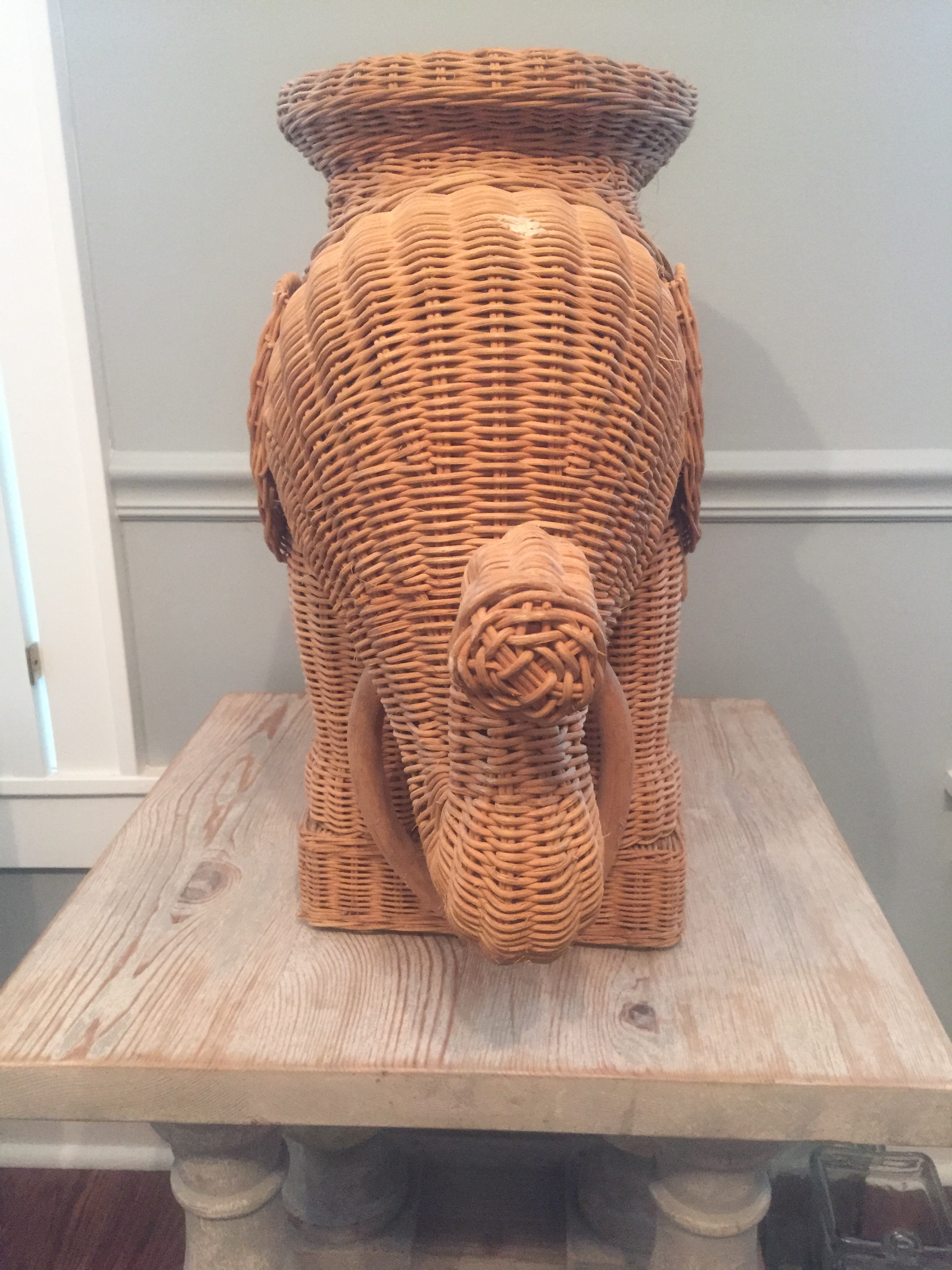 Vintage Wicker Elephant Side Table   Image 2 Of 7