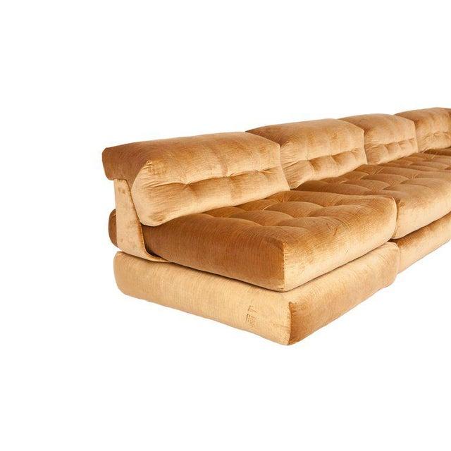 1970s Mah Jong First Edition Modular Sofa in Gold Velvet by Roche Bobois For Sale - Image 5 of 13