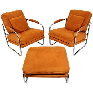 Mid-Century Modern Pair of Tubular Chrome Lounge Chairs and Ottoman