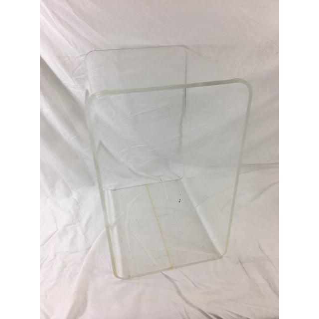 1960s Mid-Century Modern Lucite Nesting Tables - Set of 3 For Sale - Image 5 of 11