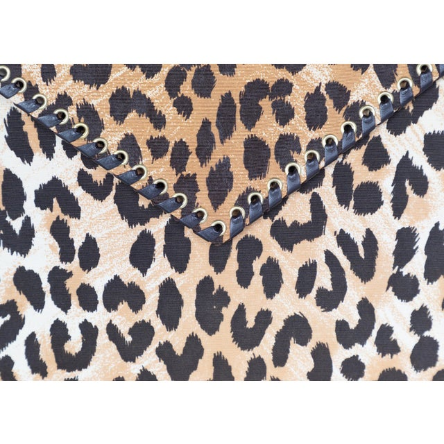 Yves Saint Laurent Leopard Animal Print Canvas Wooden Top Handle Bag, 1990s For Sale In Miami - Image 6 of 10