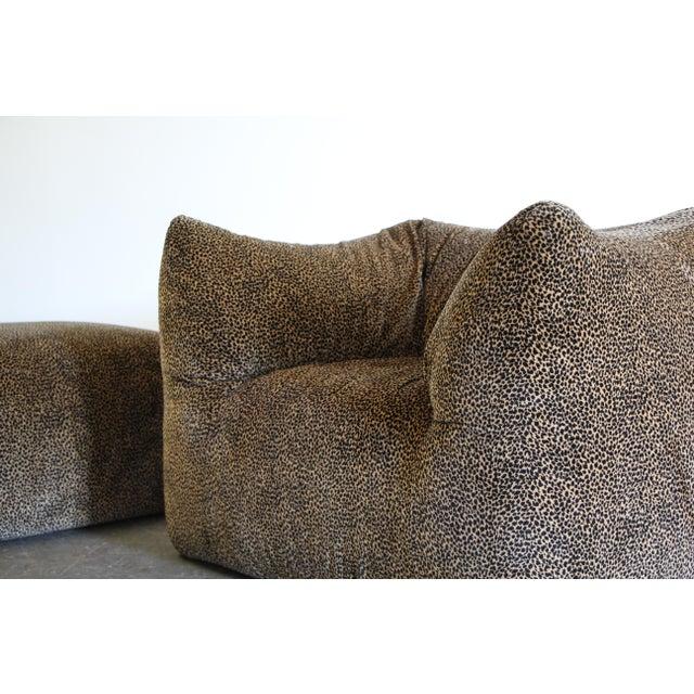 "B&B Italia 1970s Mario Bellini ""Le Bambole"" Chairs & Ottoman For Sale - Image 4 of 13"