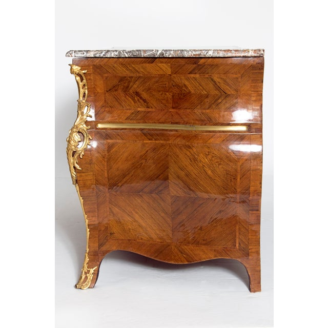 Early 18th Century French Regence Dore Bronze Bombe Commode For Sale In Dallas - Image 6 of 13