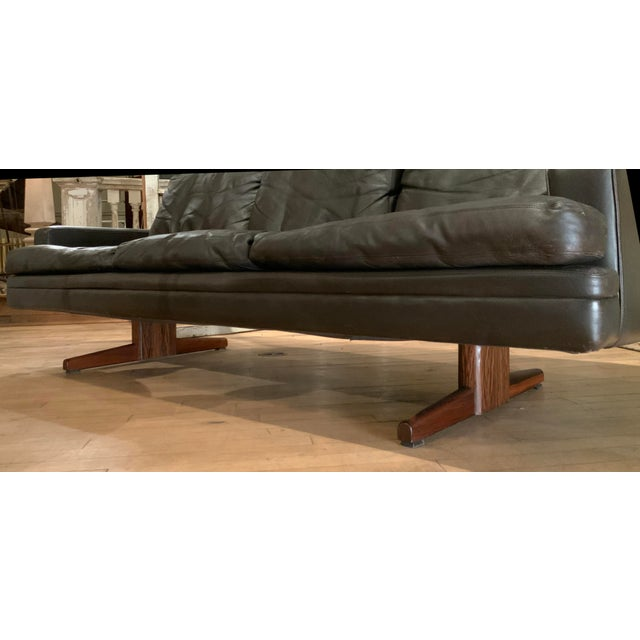 Frederick Kayser 1960s Danish Leather and Rosewood Sofa by Fredrik Kayser For Sale - Image 4 of 10