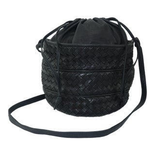 Vintage Bottega Veneta Black Intrecciato Bucket Handbag For Sale