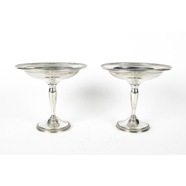 English Traditional Pair of Sterling Silver Dessert Compotes For Sale - Image 3 of 7