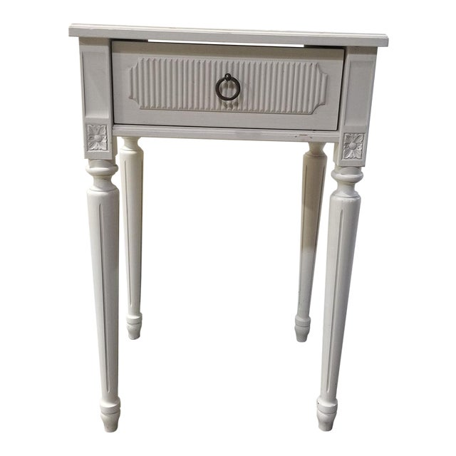 Swedish Style White Creamy Painted Nightstand For Sale