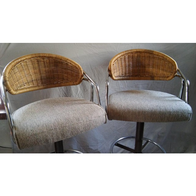 Mid-Century Modern Vintage Samsonite Wicker & Upholstered Swivel Bar Stools - Set of 4 For Sale - Image 3 of 11