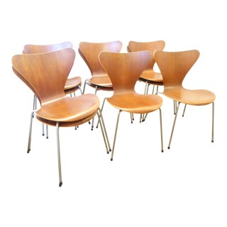 Vintage Arne Jacobsen Danish Series 7 Chairs by Fritz Hansen - Set of 10 For Sale
