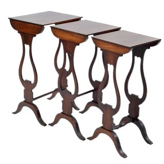 Antique Georgian Mahogany Nesting Tables - Set of 3 For Sale