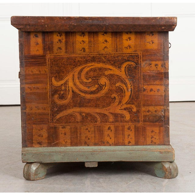 19th Century Alsatian Painted Trunk For Sale - Image 4 of 9