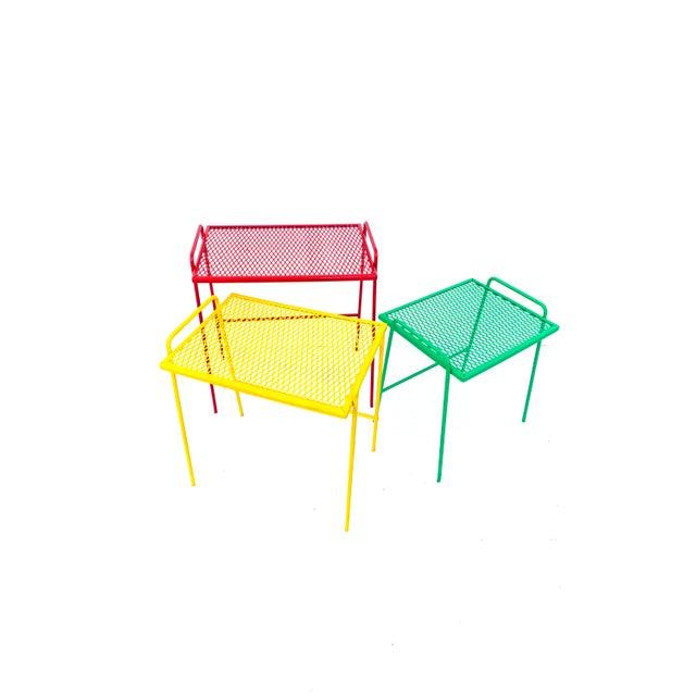 Mid-Century Salterini Metal Nesting Tables || Set of 3 Red, Yellow, Green Indoor/Outdoor Versatile Accent Furniture For Sale - Image 9 of 11