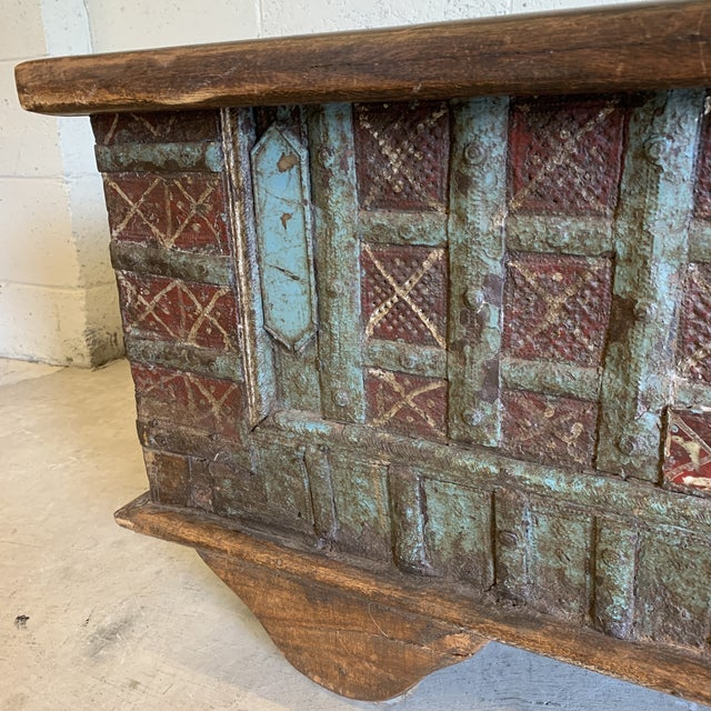 Brown Jodang Strapped Metal Wedding Chest Trunk For Sale - Image 8 of 13
