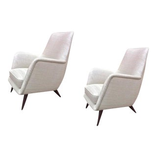 Pair of Extremely Refined Design Pair of Armchairs attributed to Gio Ponti For Sale