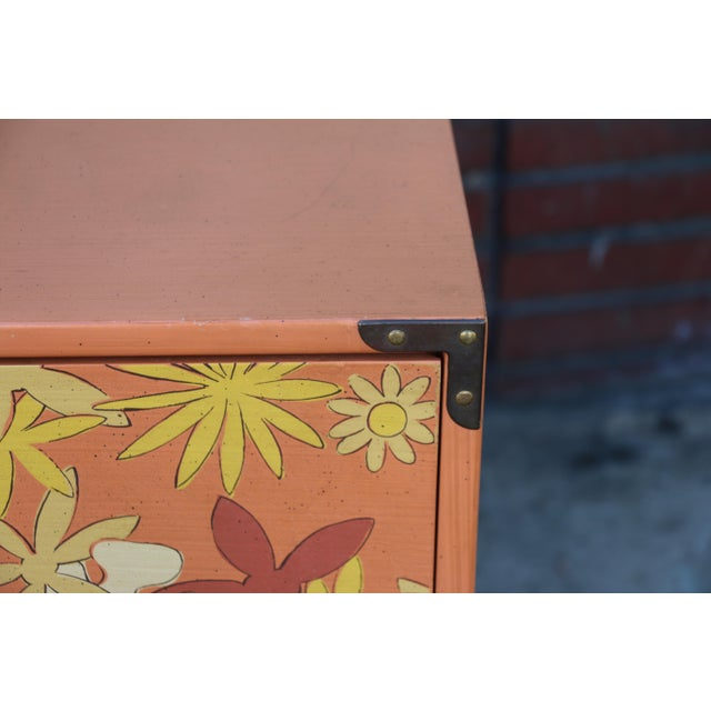 Retro Pair of Drexel Chests of Drawers For Sale In Los Angeles - Image 6 of 10