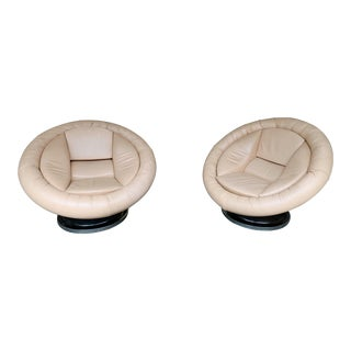 Pair of Large Space Age Leather Armchairs by Saporiti. Italy, 1970s For Sale