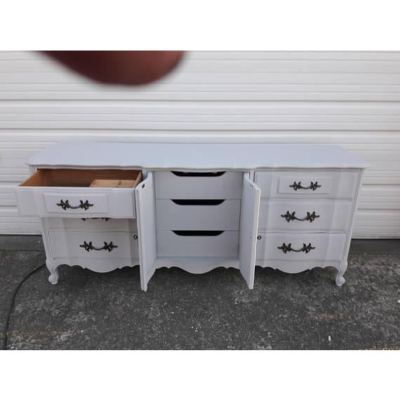 French Provincial Farmhouse Style Gray Lowboy Sideboard - Image 3 of 8