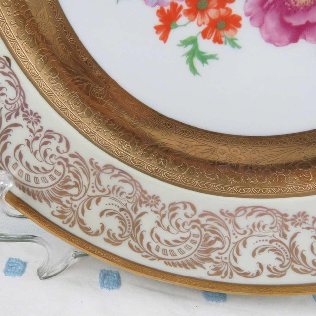 """Traditional Vintage Wheeling 11"""" Dinner Plate or Charger For Sale - Image 3 of 6"""