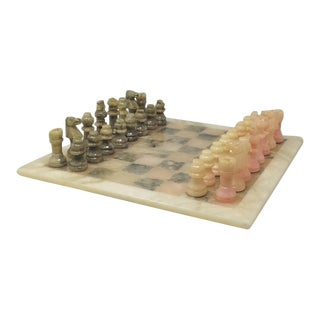 1960s Italian Chess Set in Alabaster Handmade For Sale