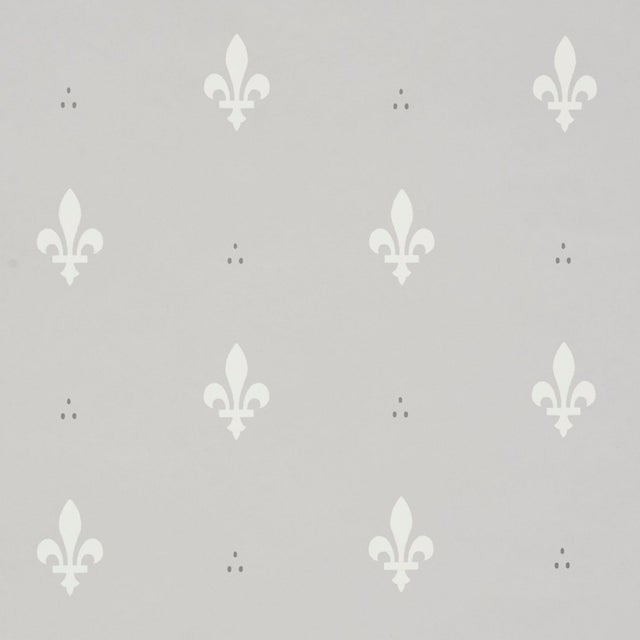 Schumacher Fleur De Lis Wallpaper In Grey