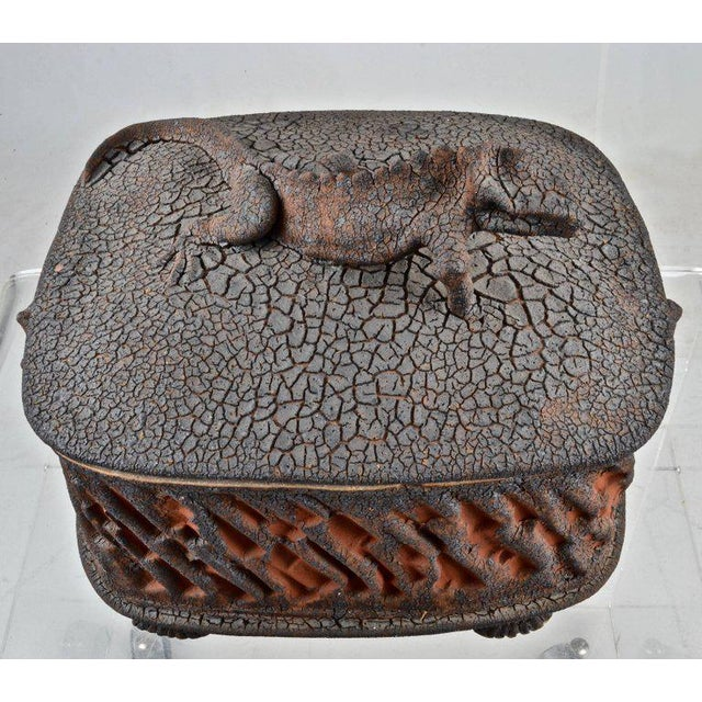 1980s Charles Gluskoter Art Pottery Lidded Box, Usa 1987 For Sale - Image 5 of 9