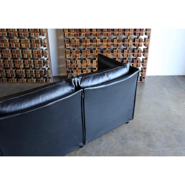 1980s Vintage Leather Landeau Sofa by Mario Bellini for Cassina For Sale - Image 9 of 12