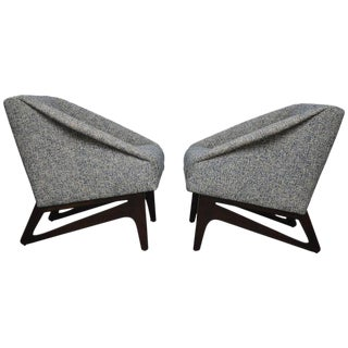 Pair of Italian Sculptural Form Lounge Chairs For Sale