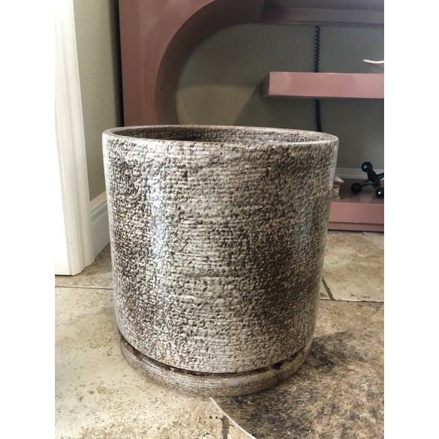 Mid-Century Modern 1960s Vintage Gainey Ceramics Ac-12 Planter Pot With Tray For Sale - Image 3 of 6