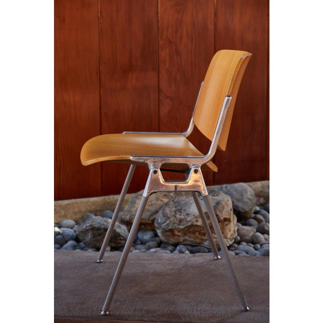 Castelli 1960s Vintage Giancarlo Piretti for Castelli Stackable Chairs- Set of 6 For Sale - Image 4 of 9