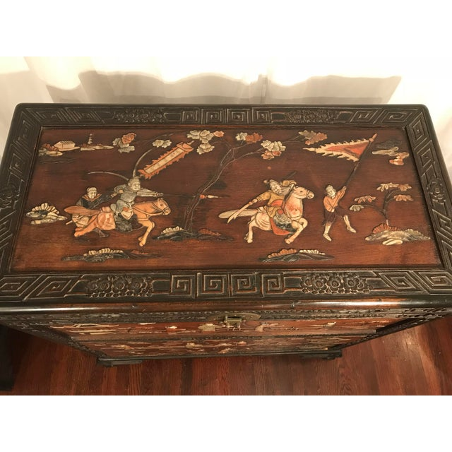 1900 - 1909 Antique Chinese Carved Camphor Wood Trunk and Dresser Set With Inlaid Stone For Sale - Image 5 of 12