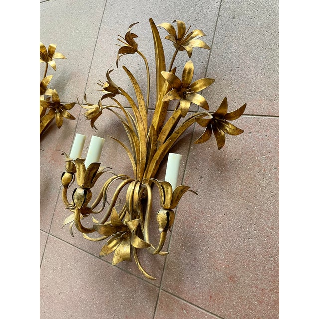 Hollywood Regency Italian Mid Century Hollywood Regency Gilt Toleware Floral Sconces - a Pair For Sale - Image 3 of 13