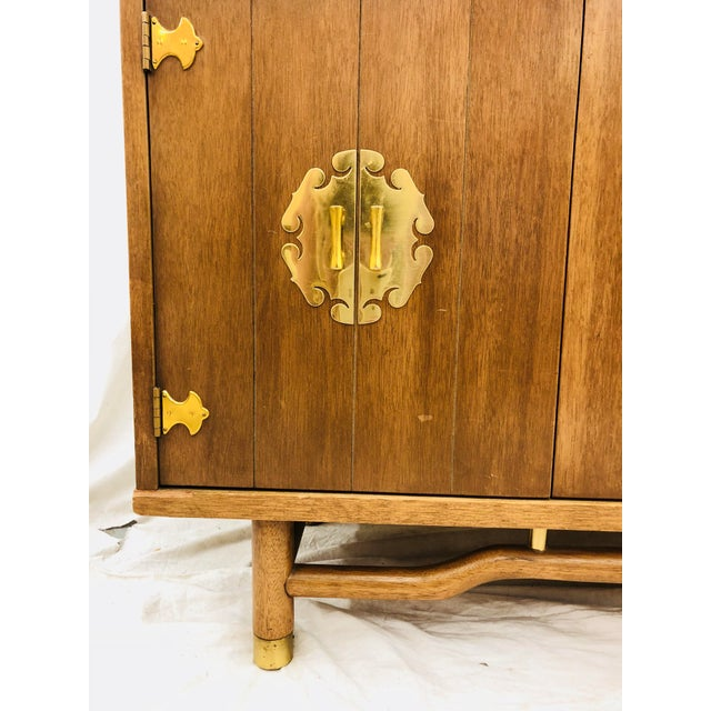 Vintage Mid Mod China Cabinet For Sale - Image 11 of 13