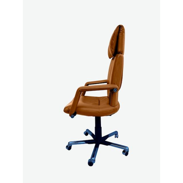 Mid-Century Modern Mario Bellini Executive Swivel Chair in Leather For Sale - Image 3 of 13