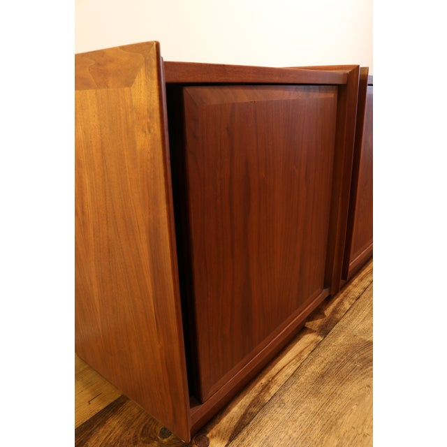 1960s Dillingham Nightstands - A Pair For Sale - Image 7 of 10