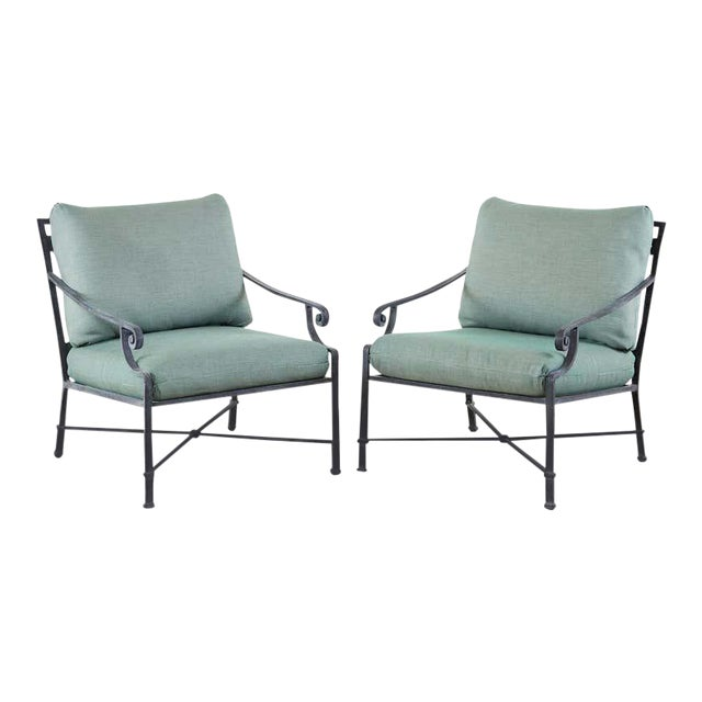 Brown Jordan Venetian Aluminum Patio Lounge Chairs - a Pair For Sale