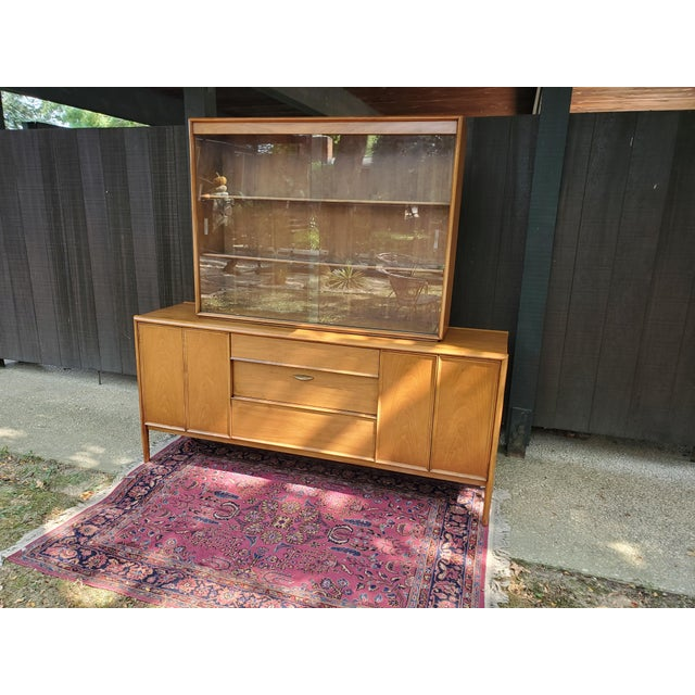 Boho Chic Mid-Century Modern Drexel Parallel China Cabinet For Sale - Image 3 of 13