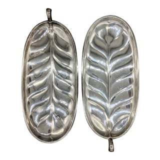 Vintage Silver Plated Banana Leaf Platters by International Silver - a Pair For Sale