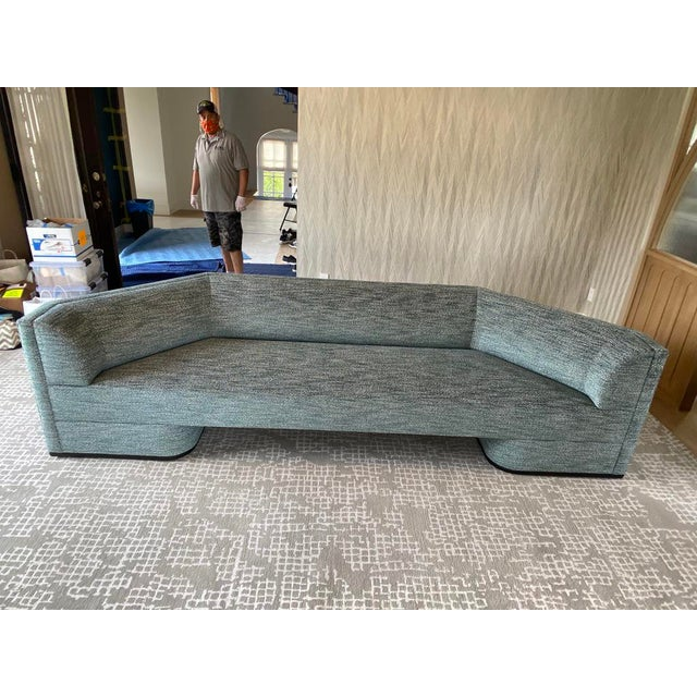 Featured in The 2020 San Francisco Decorator Showcase — Custom Shaped Teal Settee For Sale - Image 11 of 12
