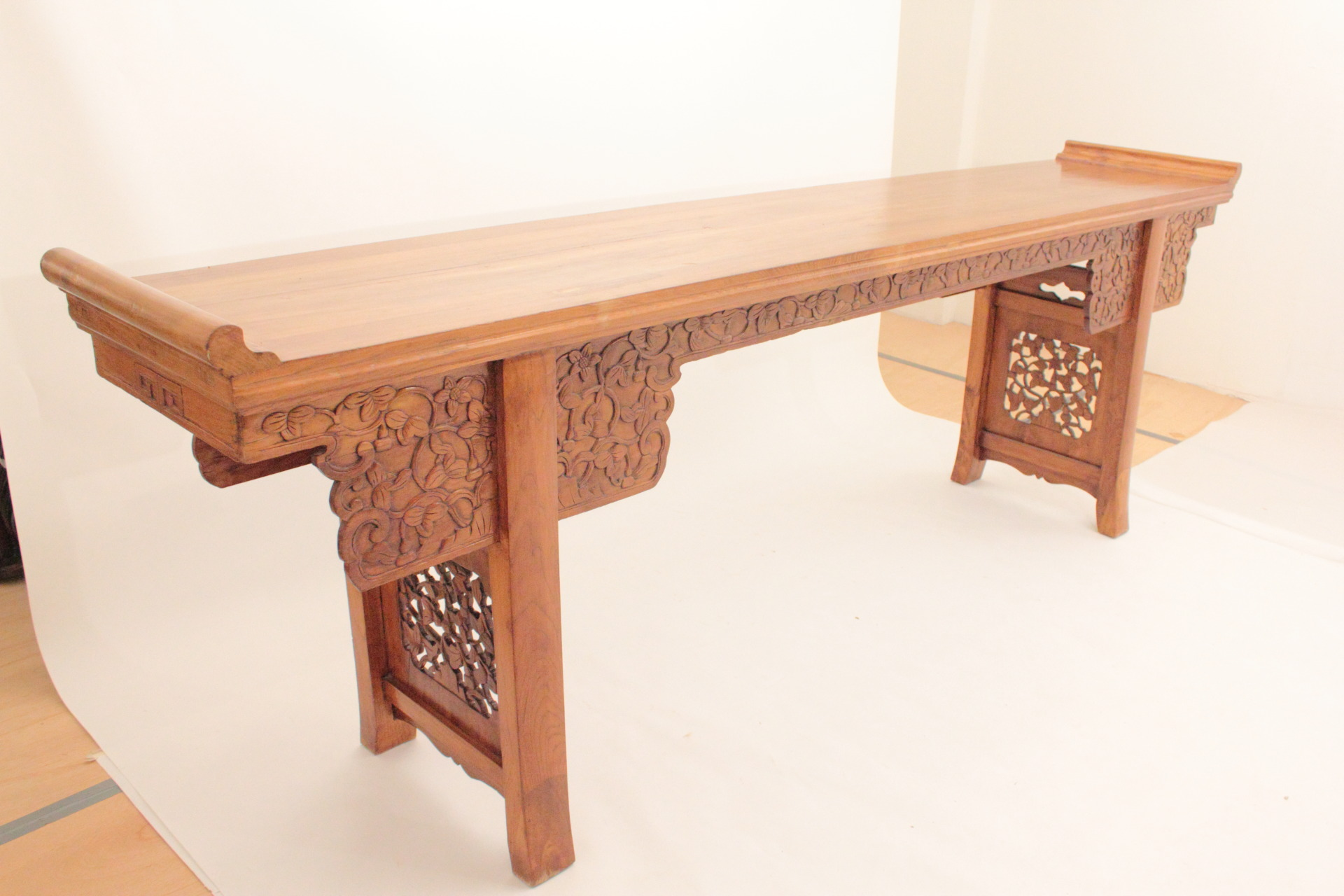 Antique Chinese Altar Table   Image 10 Of 11