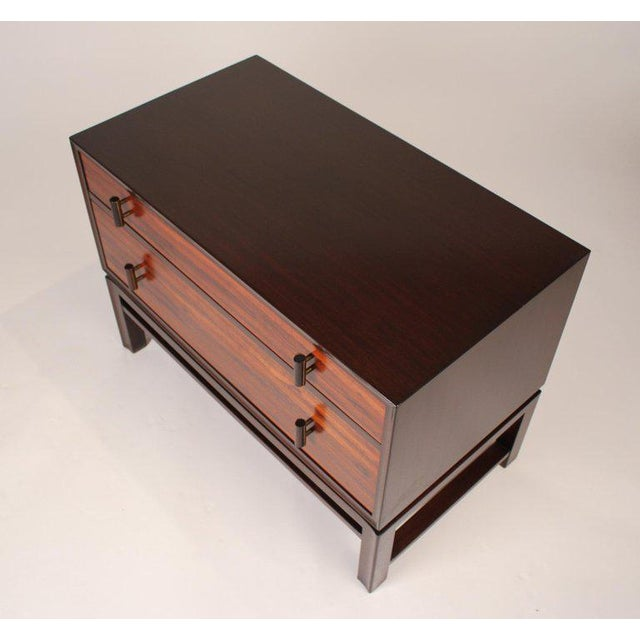 1960s Edward Wormley for Dunbar Brazilian Rosewood, Ebony and Mahogany Nightstands - a Pair For Sale - Image 5 of 10