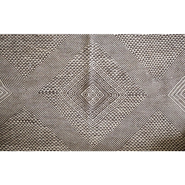 Contemporary Double-Sided Natural Wool Zanafi Flat-Woven Moroccan Rug For Sale - Image 3 of 8