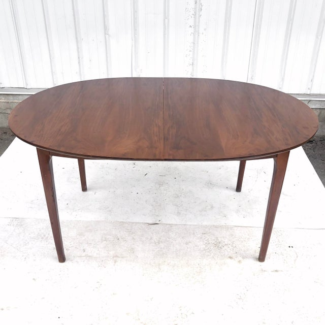 Mid-Century Modern Mid-Century Dining Set With Large Table and Six Chairs For Sale - Image 3 of 13