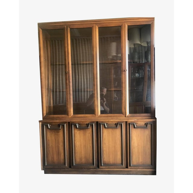 Mid Century Modern Hutch / China Cabinet For Sale - Image 13 of 13