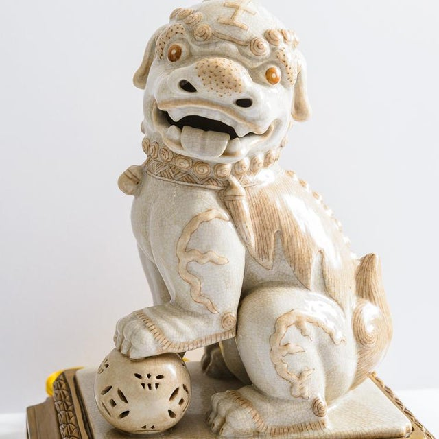 Asian Foo Dog Porcelain Table Lamps on Bronze Stands, A-Pair For Sale - Image 4 of 13
