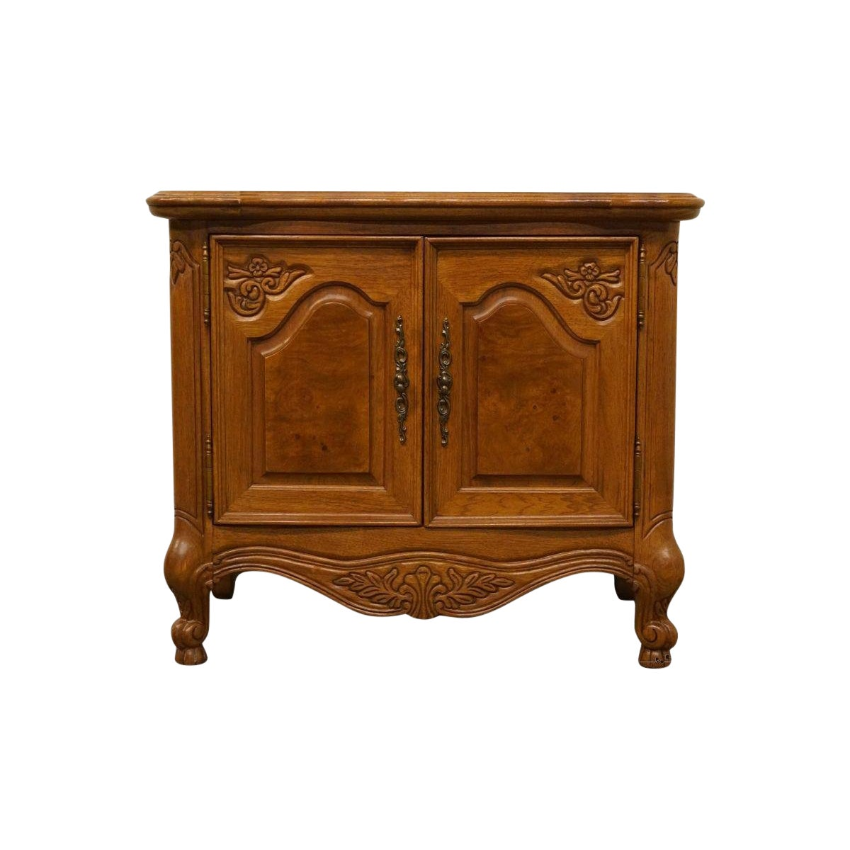 Lexington Furniture Chateau Latour Collection French Country 30