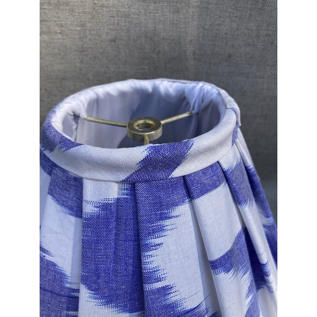 Contemporary Pleated Blue and White Ikat Lampshade For Sale - Image 4 of 5