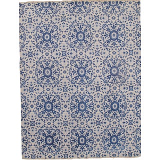 Modern Hand Knotted Silk Rug - 6' X 9' For Sale